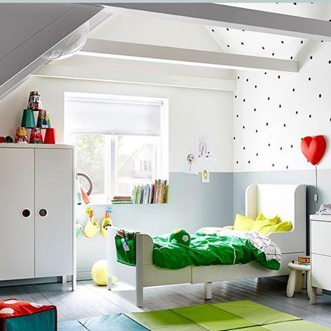 Las mil posibilidades de la cama busunge de ikea blanco y de madera - Alfombra verde ikea ...