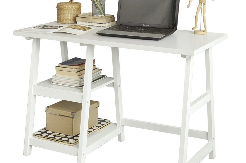 Escritorio de madera con espacio de almacenaje