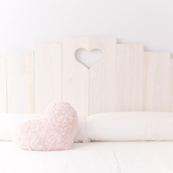 Cabecero corazon (Blanco y de madera) (1)