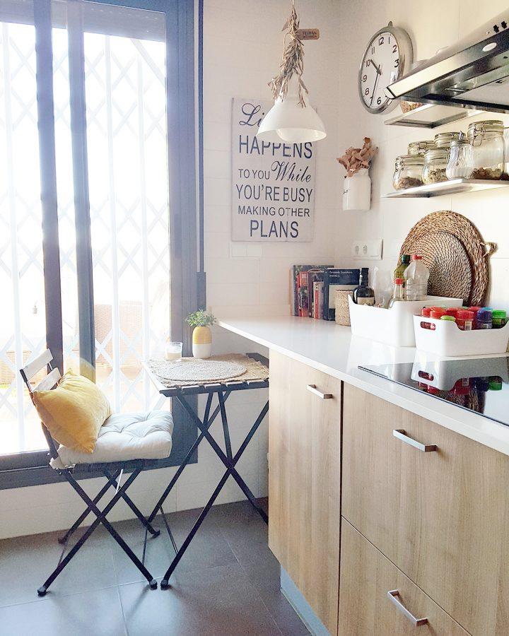 Cocina encimera blanca house tour