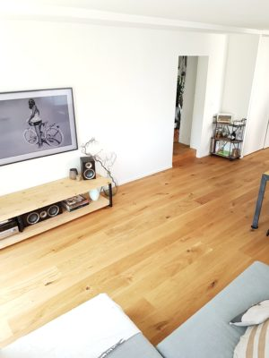 suelo-madera-salon-nordico